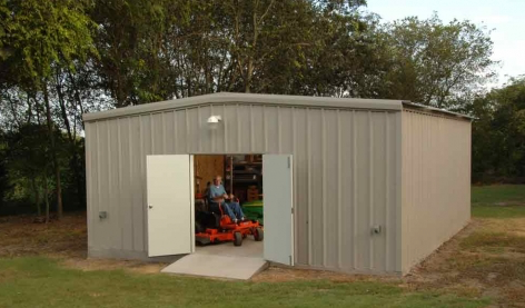 What type of layers do I need for the living space on the inside of my metal building?